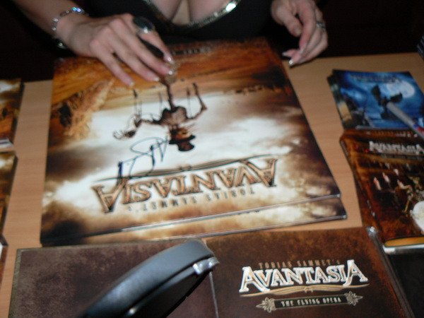 charity_2012_avantasia_amanda_04_small