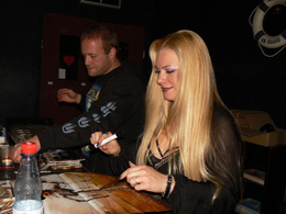 charity_2013_avantasia_amanda_01_small