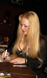 charity_2013_avantasia_amanda_04_small
