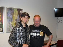 charity_2013_helloween_signing_03_small